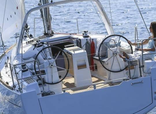Alquilar un Beneteau Oceanis 35