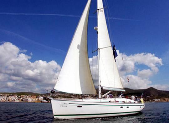 Alquilar un velero Bavaria 50