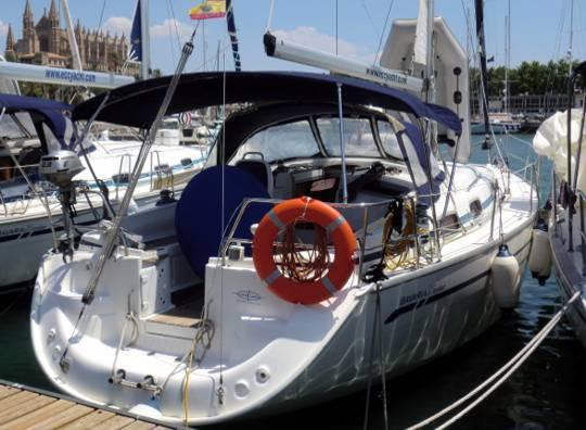 Alquilar un Bavaria 37 en Mallorca