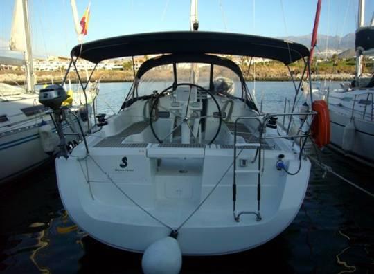 Alquilar un Oceanis 37 en Mallorca