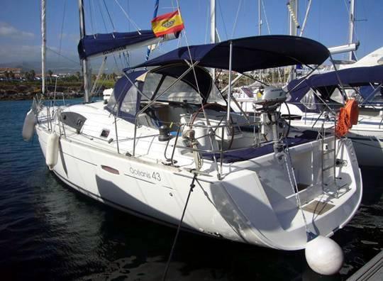 Alquilar un Oceanis 43 en Mallorca