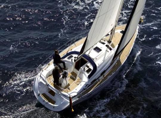 Alquilar un Bavaria 39 en Ibiza